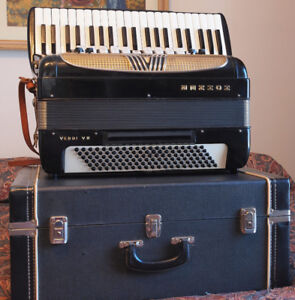 Hohner full size Verdi VM Accordion with Amplifier connections