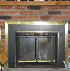 Air-tight fireplace insert