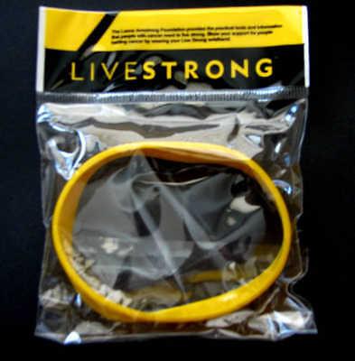 LIVESTRONG LIVE STRONG BRACELET NEW!