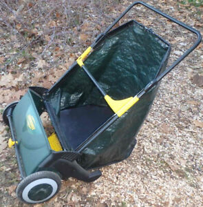 Leaf & Grass Collector Yardworks (Earthwise)