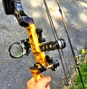 Conquest APEX Compound Bow - Mathews.  Blk & yellow - Right Hand Cambridge Kitchener Area image 1