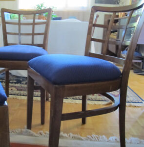 VINTAGE CHAIRS SET OF 4