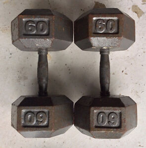 A PAIR OF DUMBBELLS cast iron, 2x60 Lbs Total 120 Lbs