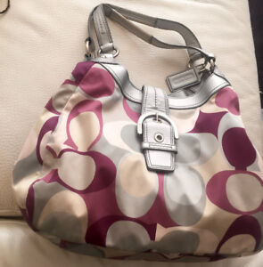 Signature Women Sateen Coach Shoulder Purse