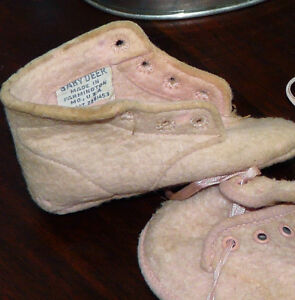 Pair Vintage Baby Boots.  Doll Tub. Kingston Kingston Area image 3