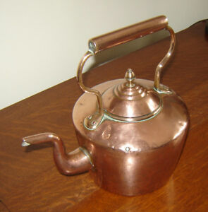 Spectacular Antique English 18thC Dovetailed Solid Copper Kettle