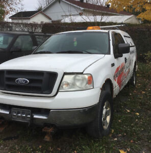 Ford f150 2004 avec carcan à neige