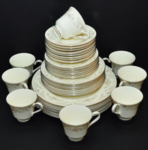 ROYAL DOULTON DIANA FINE BONE CHINA DINNER WARE SET