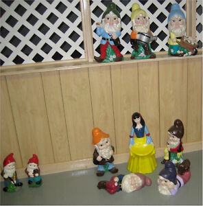 ***Handpainted Snow White & The Seven Dwarfs in Ceramic***