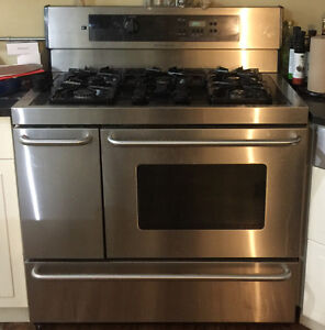 Kitchen island pantrys fridge and stove for sale Peterborough Peterborough Area image 4