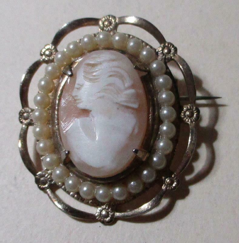 Beautiful Vintage Shell Cameo Brooch With Pearl Accents
