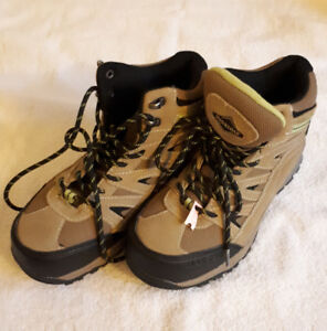 Safety shoes for lady