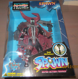 MCFARLANE SPAWN & ANGELA SUPER SIZE ACTION FIGURES