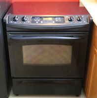 General Electric auto-cleaning stove with glass top