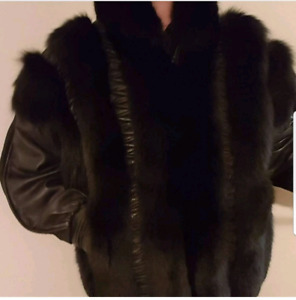 Fox fur and leather jacket w/ detachable sleeves