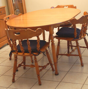 Wood Dinning Room Table and Hutch