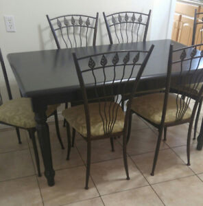 Black Harvest Table and 6 Chairs