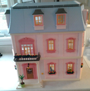 PLAYMOBIL deluxe Dollhouse #5303 with accessories