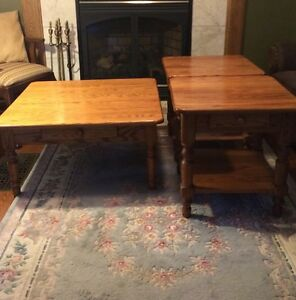 coffee and end tables Cambridge Kitchener Area image 1