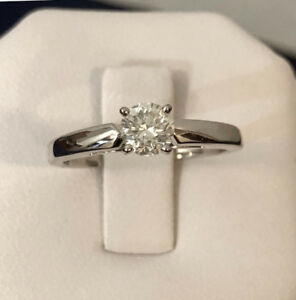 14k gold .50ct. diamond engagement ring *Appraised @ $5,800