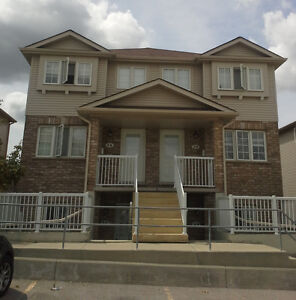 Beautiful, newly renovated, 1 bedroom unit in amazing location