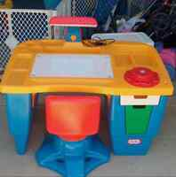 Little tikes office desk for the future entrepreneurs