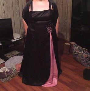 FORMAL OCCASION DRESS (by *LAURA*) with Wrap/Shawl --- Size 20