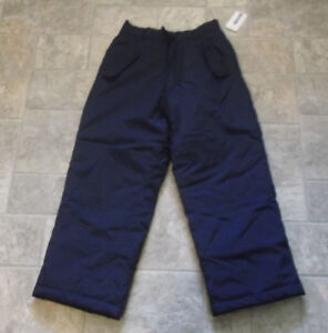 Child's Snowpants Size 6 New with tag