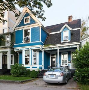 BRIGHT AND SPACIOUS 3 BEDROOM CLOSE TO DAL, SMU & DOWNTOWN