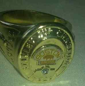 Boston Bruins NHL hockey ring