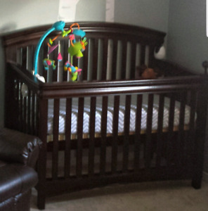 Shermag wood convertible crib