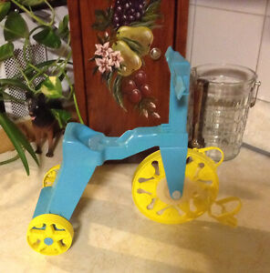 VINTAGE MATTEL TIPPEE TOES TRICYCLE 1967 COMME NEUF Gatineau Ottawa / Gatineau Area image 1