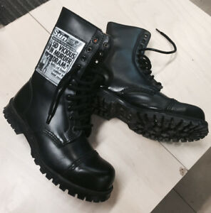 Boots UK UnderGround BLACK Size 6UK / 7US Doc Martens Commando