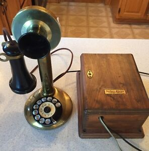 Many Different Vintage Telephones West Island Greater Montréal image 2