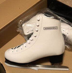 Ladies figure skates. $20