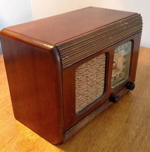 Antique Radio RCA Victor MASTER NIPPER Early 1940's Stratford Kitchener Area image 2