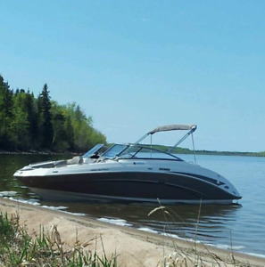 Excellent condition 2010 Yamaha 242 LIMITED Jet Boat