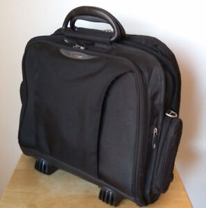 Targus Port Easy Roller Laptop Briefcase / Laptop Carry-On Bag