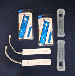 4 Wii Controllers and 2 Wii U Adapters