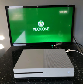 Xbox one s 1tb with controller, 2 games and free delivery