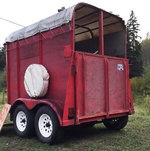 2-horse straight haul trailer- great condition- all ready to go Williams Lake Cariboo Area image 1