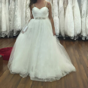 SIZE 6 SPARKLY TULLE WEDDING GOWN
