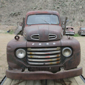 1948 Ford F105 1 1/2 ton truck with hoist