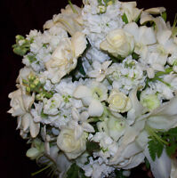 Wedding Flowers and Decor by BLUMEN DESIGNS