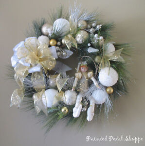SALE--Christmas Elf Wreath/Gold/White/Champagne Holiday Wreath Belleville Belleville Area image 5