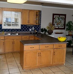 Kitchen Cabinets-Complete Set, Bleached Maple, Very Good Cond. Kitchener / Waterloo Kitchener Area image 8
