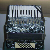 Accordion 40 bass 26 treble Weltmeister