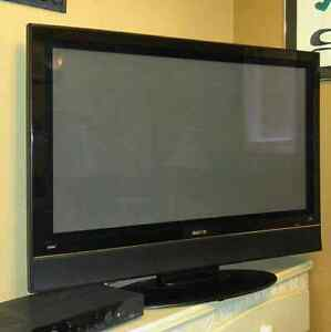 "(BEST OFFER!!!) 42"" HDMI TV for Sale in Excellent Condition !!!"
