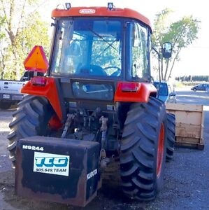 2005 KIOTI DIESEL TRACTOR WITH 10FT BOX PUSHER