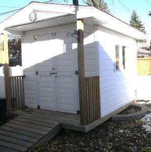 Garden Shed - Like New
